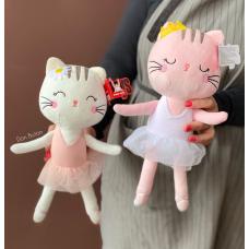 Кошечки в платьицах