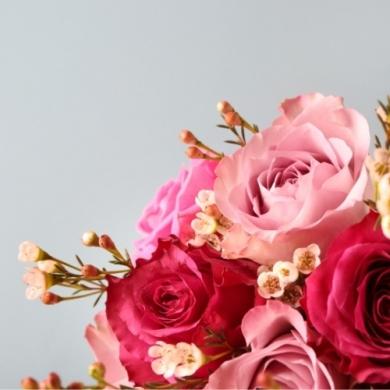 Сколько роз принято дарить девушке: три, семь или больше?