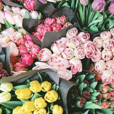 Подбираем цветы для воспитателя на выпускной в детском саду