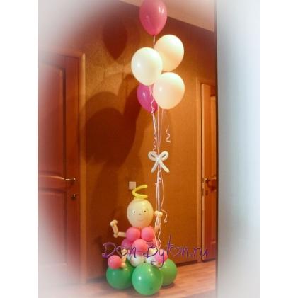 Пупс с букетом летающих шаров