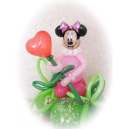Минни Маус с сердечком