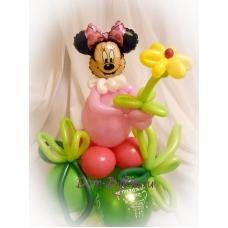 Минни Маус с цветком